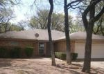 Bank Foreclosure for sale in Arlington 76015 BAINWOOD TRL - Property ID: 3201091216