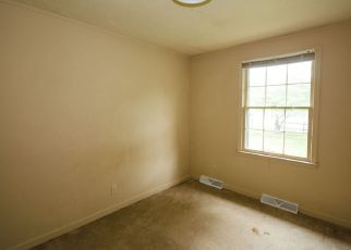Bank Foreclosure for sale in Rustburg 24588 SUNNYMEADE RD - Property ID: 4275137934