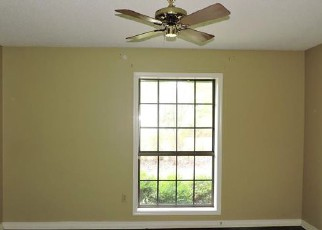Bank Foreclosure for sale in Arkadelphia 71923 MOCKINGBIRD LN - Property ID: 4280616988