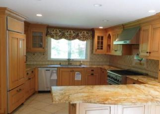Bank Foreclosure for sale in Cos Cob 06807 CARRIAGE RD - Property ID: 4282888300