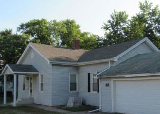 Bank Foreclosure for sale in Monmouth 61462 S 6TH ST - Property ID: 4292242108