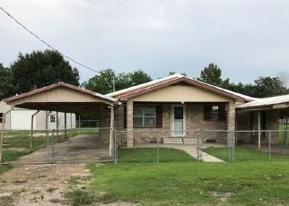 Bank Foreclosure for sale in Lake Arthur 70549 KELLOGG AVE - Property ID: 4293588449