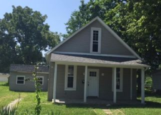 Bank Foreclosure for sale in Mattoon 61938 MARION AVE - Property ID: 4293629623