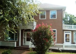 Bank Foreclosure for sale in Vandalia 62471 N 5TH ST - Property ID: 4295481824