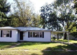 Bank Foreclosure for sale in Lawrenceville 62439 20TH ST - Property ID: 4297025227
