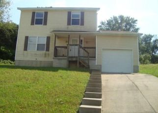 Bank Foreclosure for sale in Canton 44704 FLAMOS CIR NE - Property ID: 4304002594