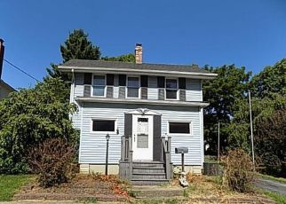 Bank Foreclosure for sale in Litchfield 62056 N CHESTNUT ST - Property ID: 4305092272