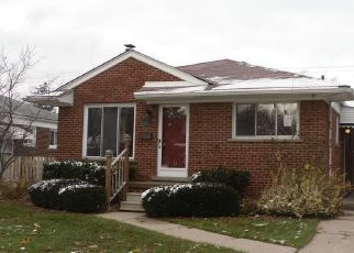 Bank Foreclosure for sale in Saint Clair Shores 48082 BEVERLY ST - Property ID: 4321610916