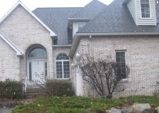 Bank Foreclosure for sale in Moosic 18507 SOMERSET CLOSE - Property ID: 4329338515