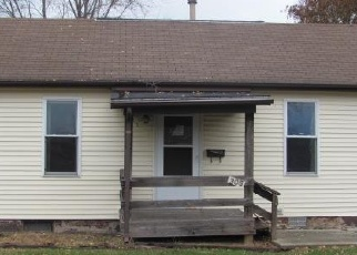 Bank Foreclosure for sale in Mount Olive 62069 E 3RD SOUTH ST - Property ID: 4329599552