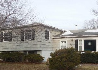 Bank Foreclosure for sale in Bettendorf 52722 PARKWAY DR - Property ID: 4331866949