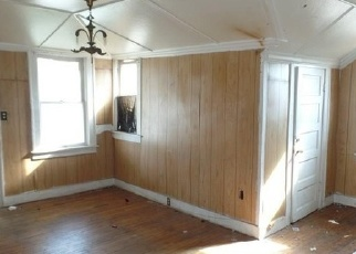 Bank Foreclosure for sale in Fort Worth 76104 E JESSAMINE ST - Property ID: 4332061395