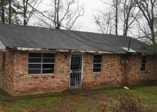 Bank Foreclosure for sale in New Roads 70760 DELTA PLACE RD - Property ID: 4340965862