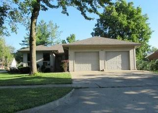 Bank Foreclosure for sale in Shelbyville 62565 W NORTH 1ST ST - Property ID: 4414159629