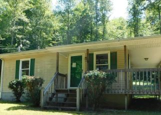 Bank Foreclosure for sale in Manchester 40962 ROBINSON CREEK RD - Property ID: 4415092958