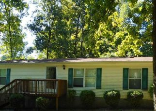 Bank Foreclosure for sale in Cedar Hill 37032 GOODMAN LN - Property ID: 4415105203