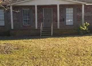 Bank Foreclosure for sale in Elmore 36025 PAIGE HILLS DR - Property ID: 4416721331
