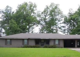 Bank Foreclosure for sale in Lake Providence 71254 ISLAND POINT DR - Property ID: 4418073360