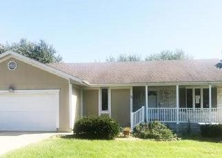 Bank Foreclosure for sale in Peculiar 64078 MAVERICK CIR - Property ID: 4418813991