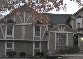 Bank Foreclosure for sale in Kansas City 64145 SAINT ANDREWS DR - Property ID: 4513105850