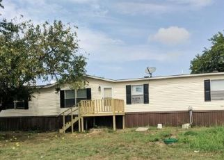 Bank Foreclosure for sale in Quinlan 75474 BAY DR - Property ID: 4515924189