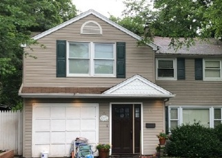 Pre Foreclosure in Waldwick 07463 DOUGLAS ST - Property ID: 1079197885