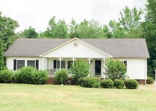 Pre Foreclosure in Cherryville 28021 HELTON RD - Property ID: 1190325455