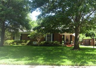 Pre Foreclosure in Fort Worth 76109 NORFOLK RD - Property ID: 1382735760