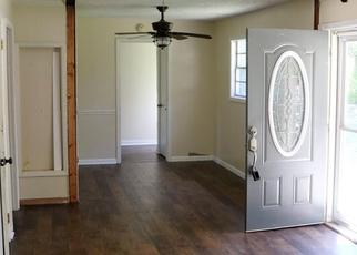 Pre Foreclosure in Charlotte 37036 B Y BROWN RD - Property ID: 1383180287
