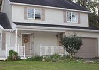 Pre Foreclosure in Mount Bethel 18343 LENAPE TRL - Property ID: 1394231244