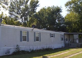 Pre Foreclosure in Royalton 62983 N MANNERING ST - Property ID: 1401677690