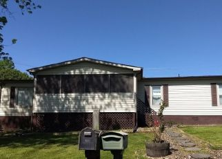 Pre Foreclosure in Normandy 37360 CENTER ST - Property ID: 1404608614