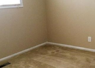 Pre Foreclosure in Whiteland 46184 BEL AIRE DR - Property ID: 1413809119
