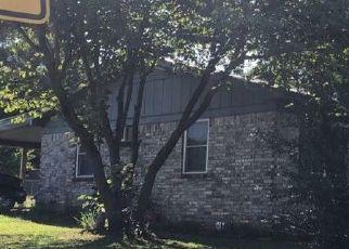 Pre Foreclosure in Newark 72562 N LOCUST ST - Property ID: 1422187130