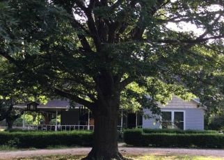 Pre Foreclosure in Pilot Point 76258 S HILL ST - Property ID: 1457134395
