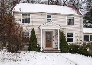 Pre Foreclosure in Lynnfield 01940 SYLVAN CIR - Property ID: 1503136106