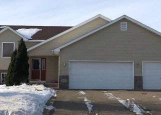 Pre Foreclosure in Lindstrom 55045 LAKESIDE DR - Property ID: 1522463471