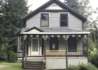 Pre Foreclosure in Waterville 13480 MADISON ST - Property ID: 1586025316