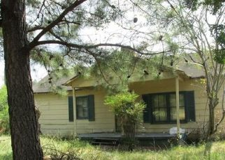 Pre Foreclosure in Mount Gilead 27306 GRASSY ISLAND RD - Property ID: 1702767286