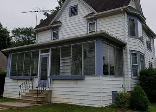 Pre Foreclosure in Somonauk 60552 E MARKET ST - Property ID: 943980405