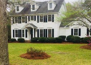 Sheriff Sale in Elizabethtown 28337 WESTWOOD CIR - Property ID: 70134833800