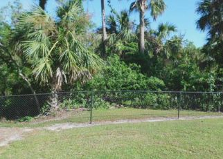 Short Sale in Labelle 33935 RIVERVIEW DR - Property ID: 6322771918
