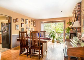 Short Sale in Wilmette 60091 HOLLYWOOD CT - Property ID: 6322911623