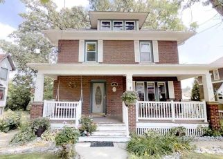 Short Sale in Mayville 53050 GROVE ST - Property ID: 6324529945